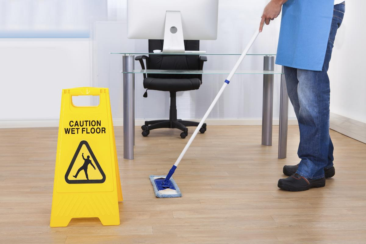 5 REASONS WHY IT'S TIME TO CHANGE YOUR OFFICE CLEANER content